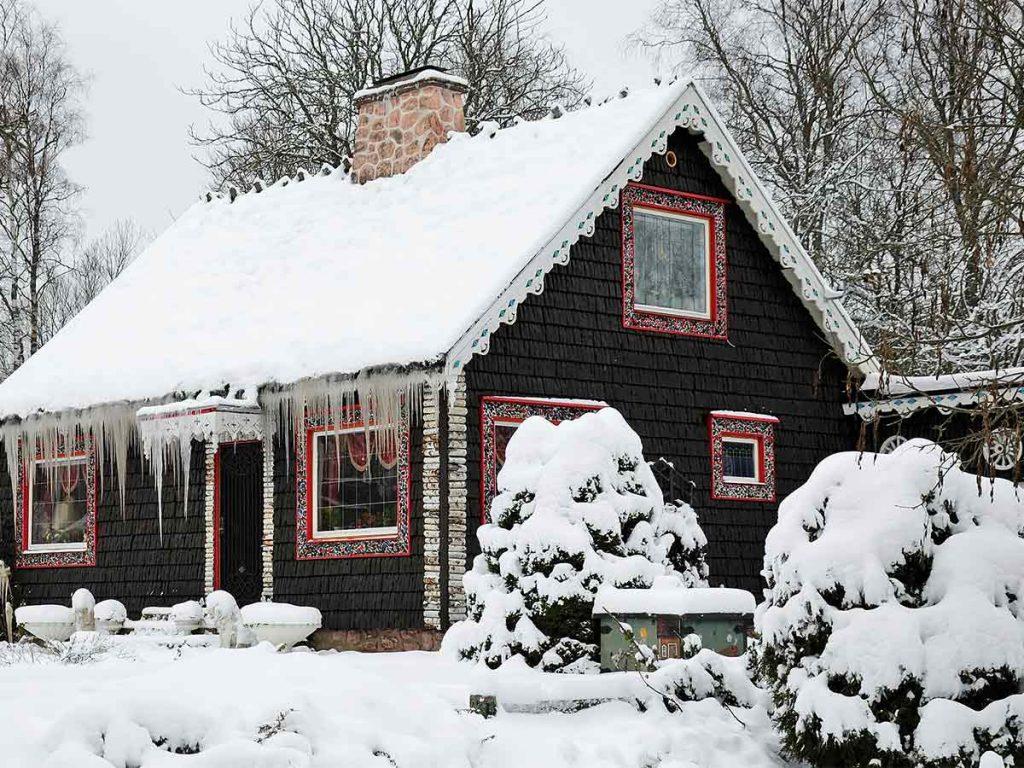 záhradná chata v zime