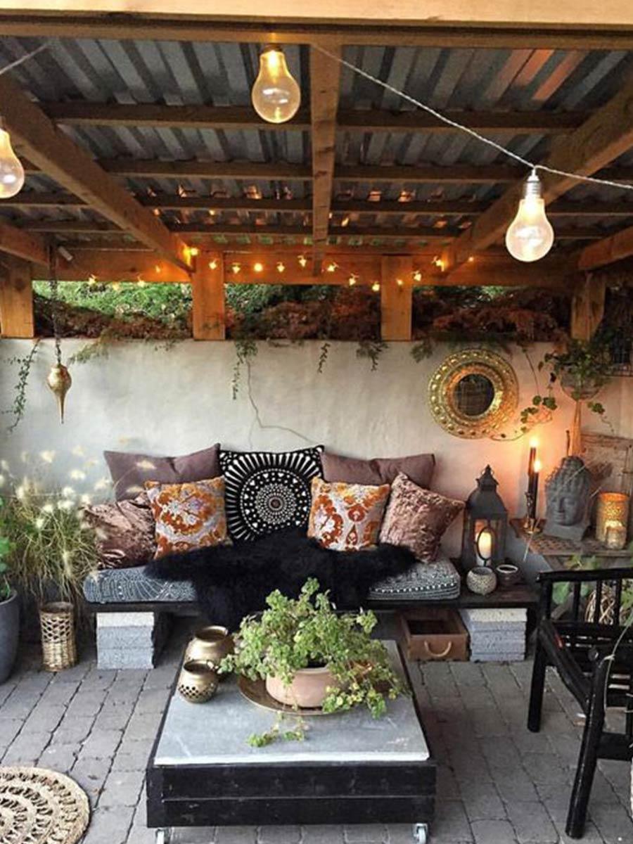 svetelná výzdoba záhradného domčeka