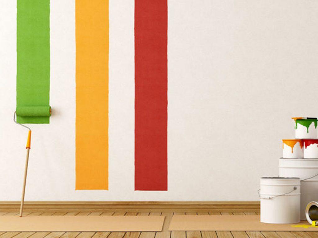 farebné pásy na stene