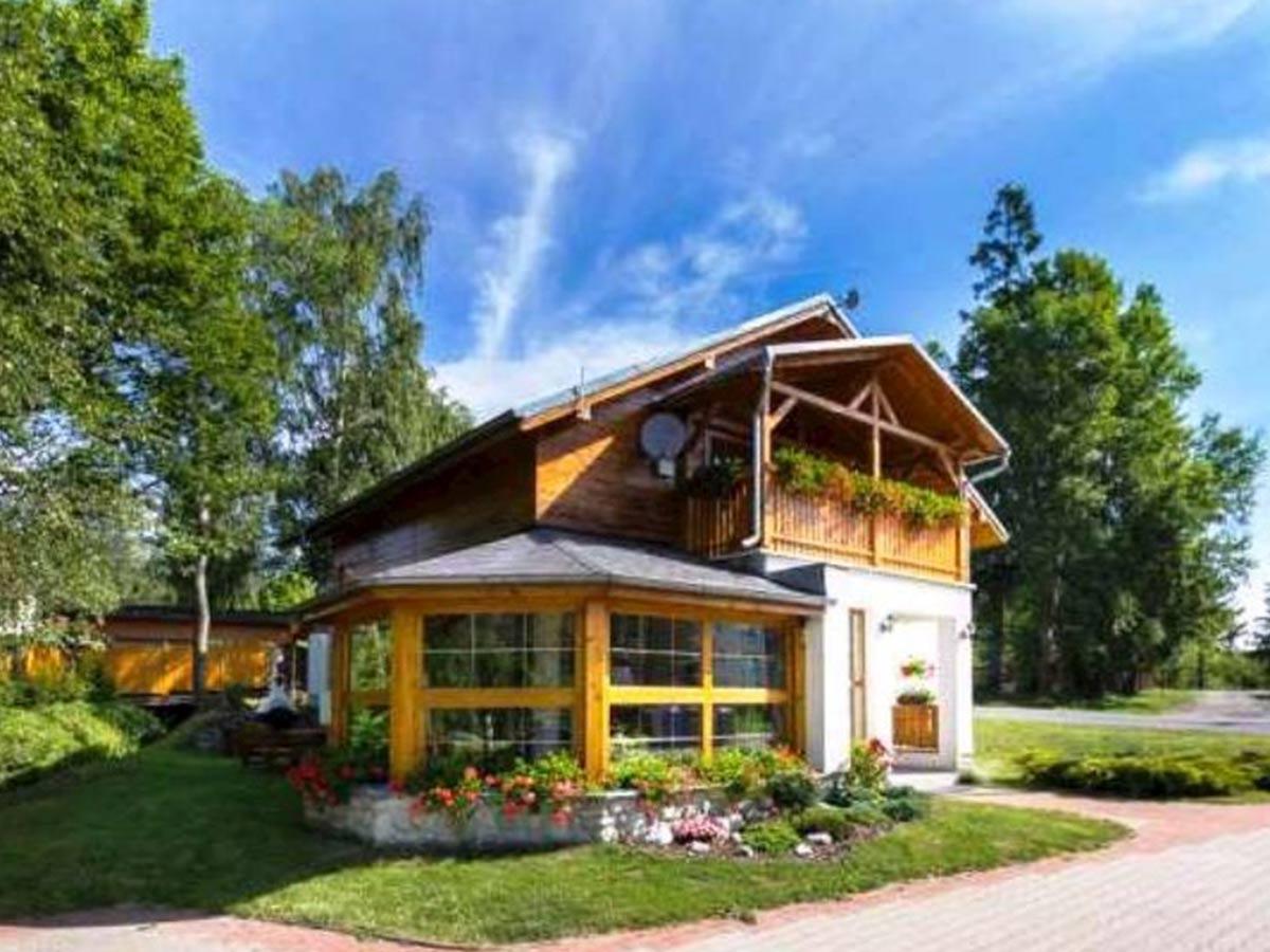 moderný drevený domček