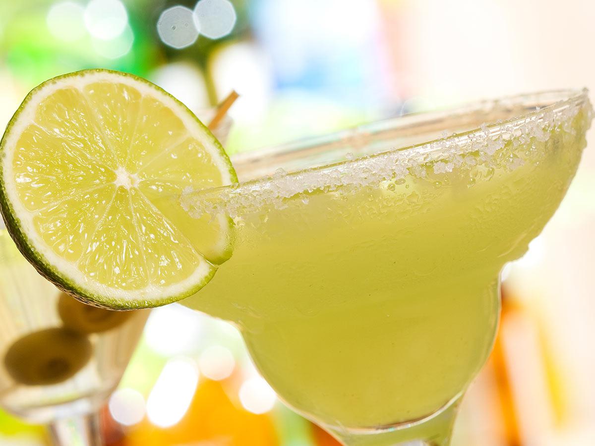margarita drink s limetkou